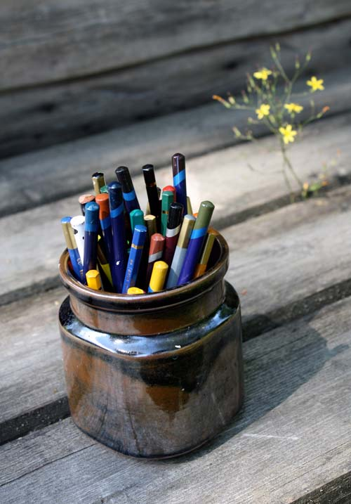 Storage your colored pencils in a jar