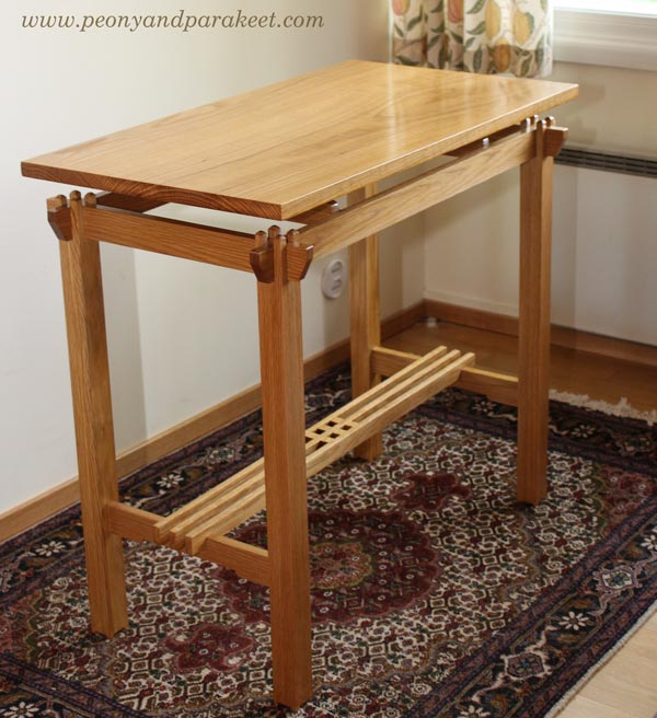A wooden table from oac and shellac. Inspired by Japan and the early 20th century.