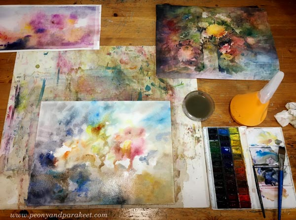 Painting watercolor florals by Paivi Eerola from Peony and Parakeet.