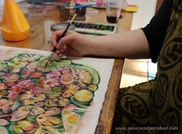 Finnish artist Paivi Eerola of Peony and Parakeet paints flowers in watercolor.