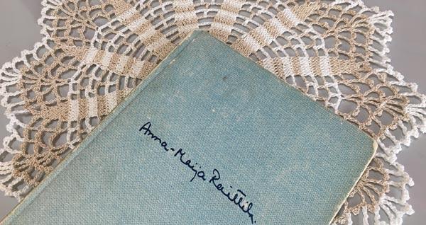 Ruiskukkaehtoo, a poem book by Anna-Maija Raittila