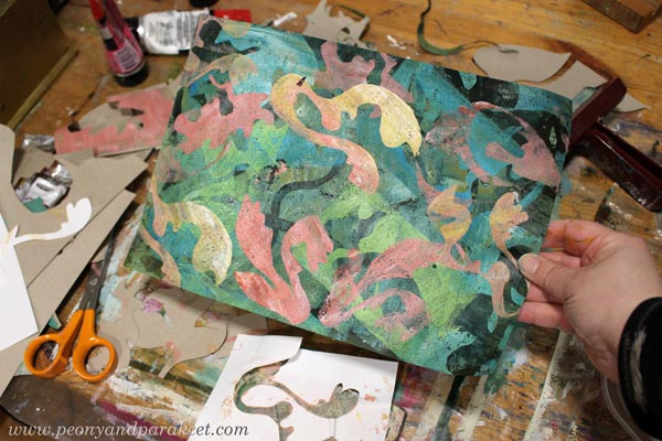 Monoprinting with Gelli plates. By Paivi Eerola of Peony and Parakeet.
